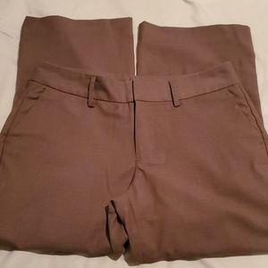 3 for $10 Gap stretchy Capri pants 4